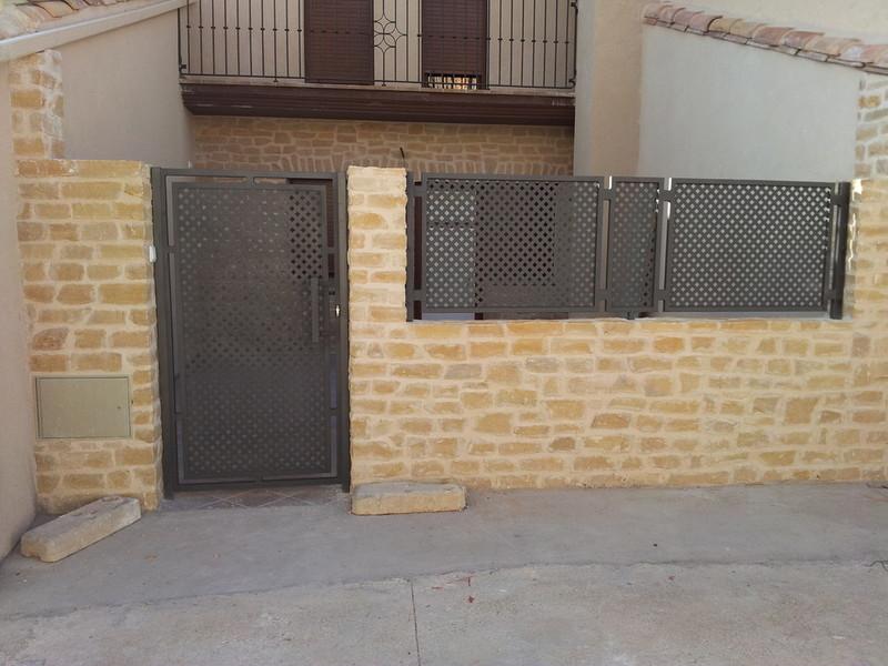 Solmetan s c balcones y barandillas - Chapas metalicas decorativas ...